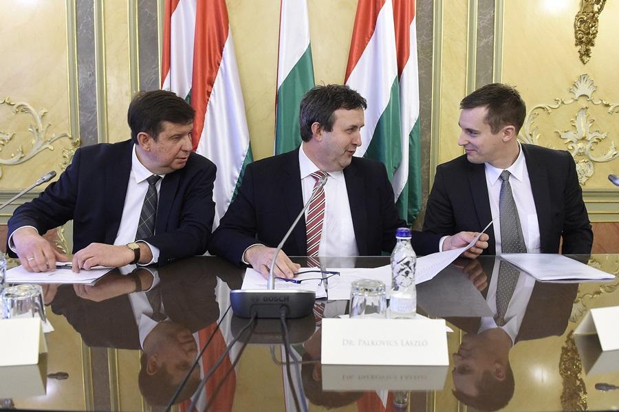 Palkovics László; Sipos Imre; Solti Péter