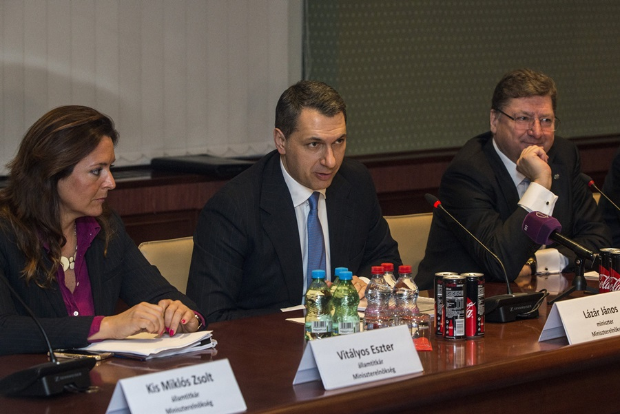 Parragh László; Zsigmondné dr. Vitályos Eszter Zsuzsanna; Lázár János