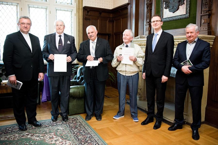 Sánczi Ferenc; Rétvári Bence; Veres András; Kiss-Rigó László; Dupka György; Berghoffer Róbert