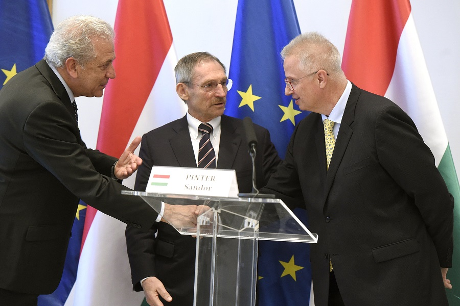 Trócsányi László; AVRAMOPULOSZ, Dimitrisz; Pintér Sándor