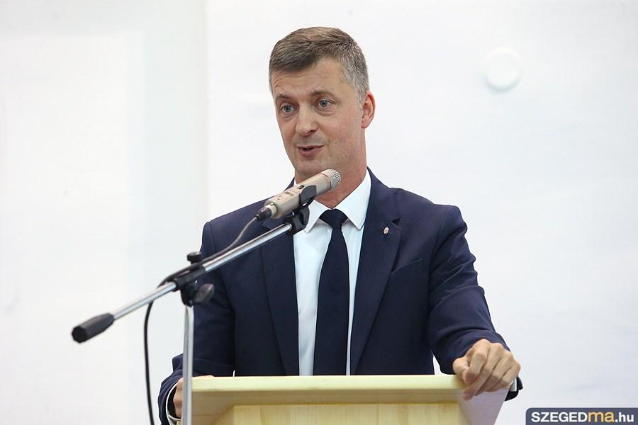 kubatov_gabor_nemzeti_konzultacios_est39_gs