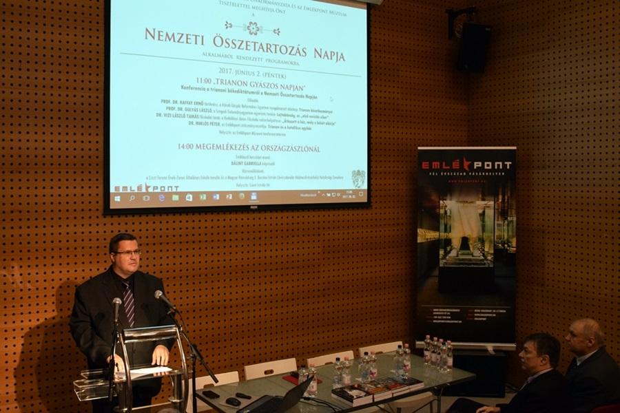 trianon_konferencia_emlekpont_002