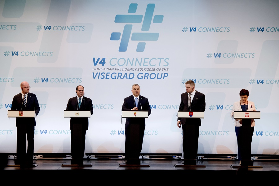 SZÍSZI, Abdel-Fattáh esz-; Orbán Viktor; SOBOTKA, Bohuslav; FICO, Robert; SZYDLO, Beata