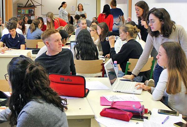 Francia tanulók érkeztek az SZTE gyakorló gimnáziumába