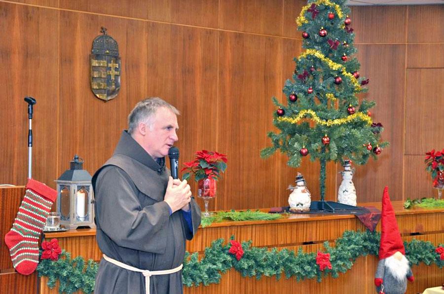 Böjte atya tartott előadást a megyei rendőr-főkapitányságon