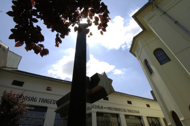 A holokauszt helyi áldozataira emlékeztek Vásárhelyen …
