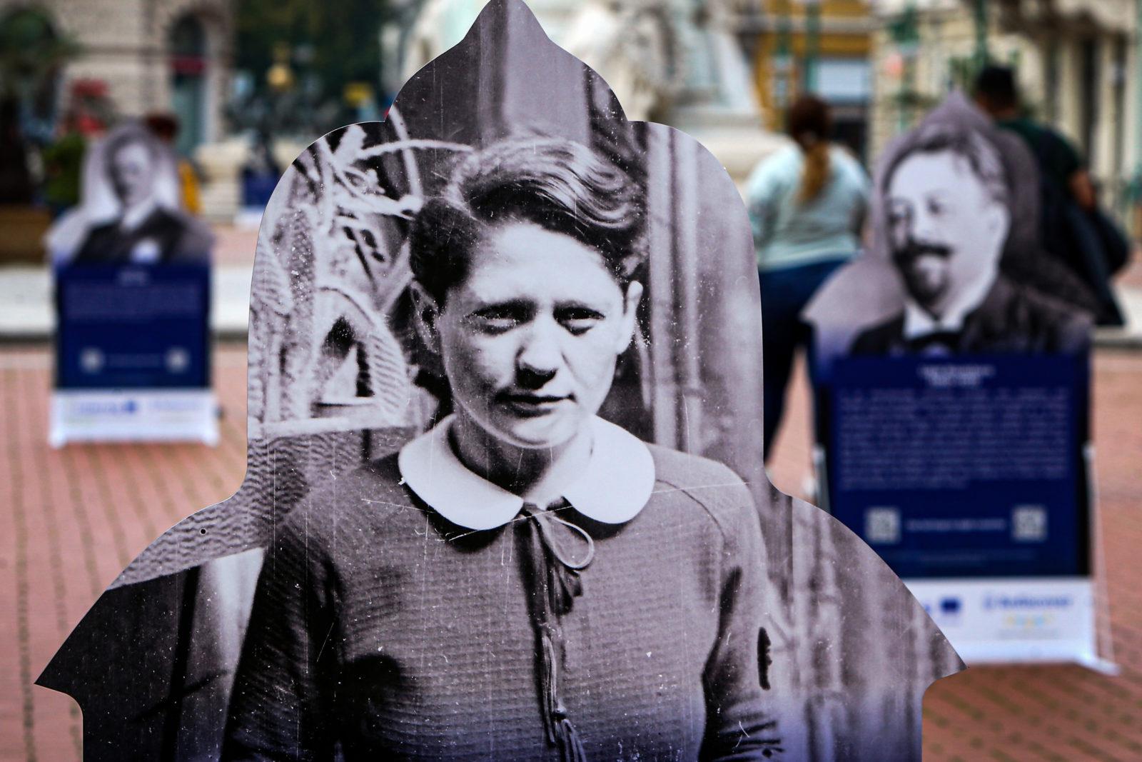 Legendás zsidó személyekről nyílt szabadtéri tárlat Szegeden – Szeged Ma