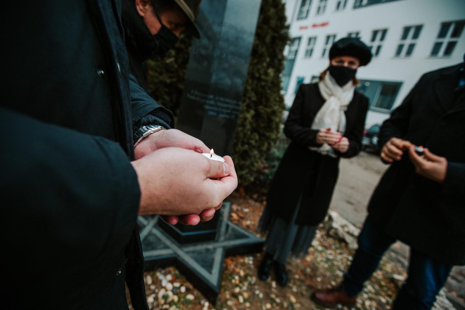 A holokauszt áldozataira emlékeztek a szegedi Fidesz tagjai